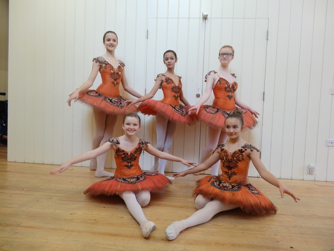 Grade 4 students at the Christmas ballet recital